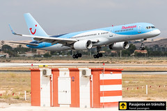 Boeing B757 Thomson G-OOBB (Ana & Juan) Tags: airplane airplanes aircraft airport aviation aviones aviación boeing 757 b757 thomson landing alicante alc leal spotting spotters spotter planes canon closeup
