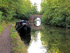 20180807_Morning Run (Damien Walmsley) Tags: grandunioncanal longboat canal bridge running run towpath reflections