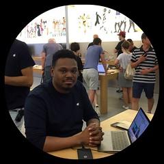 Philadelphia Apple Store Rep and His Name is Ray (buddhadog) Tags: philadelphia applestore applerep 500x500 bubno blackshirt 100vu 100 iphone6