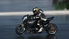 Suzuki_8270 (Fast an' Bulbous) Tags: drag race track bike biker motorcycle motorsport fast speed power acceleration santapod