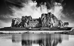 Attached- (petefoto) Tags: maison rochers gouffre house cottage plougrescant mer sea coast shore clouds bretagne brittany seawall filters cotesdarmor landscape nikond810 engulf enclosed
