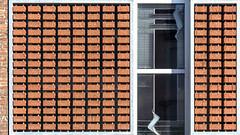 facade design (bilderkombinat berlin) Tags: ⨀2018 belgium eu flanders westvlaanderen belgië bricks brugge europa city bruges facade daylight window red