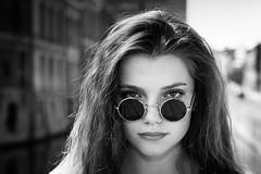 Mégane (Lievinshoot) Tags: portrait lunette brune