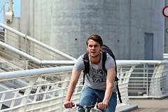 Cycliste (just.Luc) Tags: radfahrer fietser cyclist cycliste man male homme hombre uomo mann young jung jong jeune pontjacqueschabandelmas bridge brug brücke handsome attractive streetportrait