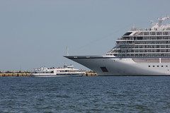 Viking Sun (magro_kr) Tags: gdańsk gdansk danzig polska poland pomorze pomorskie morze bałtyk baltyk morzebałtyckie morzebaltyckie woda statek baltic sea balticsea water ship