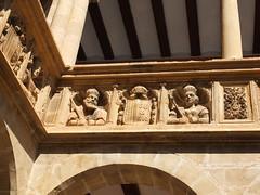 Colegio de San Jaime y San Matías - Detalle del patio (albTotxo) Tags: tortosa tarragona cataluña españa