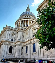 St Paul's Cathedral (Roy Richard Llowarch) Tags: baroquearchitecture baroque englishbaroque englishbaroquearchitecture architecture stpaulscathedral stpaul stpauls cathedrals cathedral churches church churchofengland cofe summer summertime sunny sunshine sky blueskies bluesky clouds cloud dome domes christopherwren sirchristopherwren london londonengland londonarchitecure ldn england englishheritage english englishhistory britishhistory british britishheritage britishchurches uk unitedkingdom greatbritain travel travelling travelphotography daytrips daytripper cities city lovelondon religion religious royllowarch royrichardllowarch explore exploring citybreaks walking walks vacation vacations holidays holiday protestant buildings beautiful beautifulplaces history historic historical historicbritain historicengland europe european