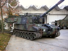 "PzH M109 1 • <a style=""font-size:0.8em;"" href=""http://www.flickr.com/photos/81723459@N04/43957474891/"" target=""_blank"">View on Flickr</a>"