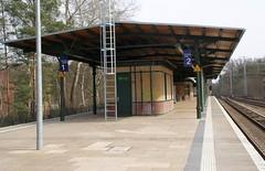 S-Bahnhof Rahnsdorf (Landschleicher77) Tags: berlin bahnhöfe stations bahnhof köpenick sbahnhofrahnsdorf sbahnhof rahnsdorf 1899 alterfischerweg 09045754