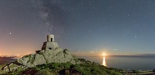 Atardecer Lunar en el faro viejo de cabo Vilan (explore)