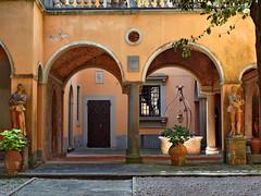 San Miniato (Jolivillage) Tags: jolivillage città sanminiato toscane tuscany toscana italie italia italy europa europe cour old picturesque geotagged