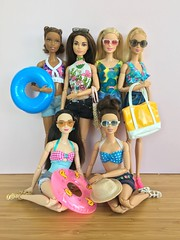 Beach time! (Emilypm3) Tags: beachclothes swimwear beachwear dolls curvybarbie tallbarbie madetomove fashionista barbiestyle barbie