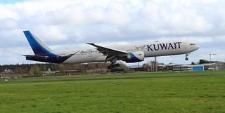 9K-AOM Kuwait Airways Boeing 777-369ER Landing at Shannon Airport 22-4-18