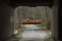 Batten Kill 4116 at Rexleigh (Thomas Coulombe) Tags: battenkillrailroad battenkill alcors3 rs3 freighttrain train rexleighcoveredbridge coveredbridge salem newyork