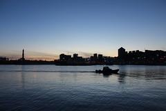 Crepuscolo Genovese (giovanni_vaccaro) Tags: porto barca boat tramonto crepuscolo sunset mare sea sera atmosfera attimi scia momento città luci onde faro palazzi liguria genova canon canon1300d canon1855