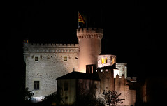 Castillo de Fieles, Castelldefels, BCN (angelalonso57) Tags: canon eos 6d 70300mm ƒ56 3000 mm 14 640 door tabarnia castelldefels night