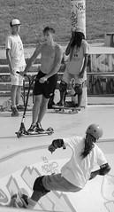 Skate Park compo (ZUHMHA) Tags: marseille france urban urbain line lignes courbes curve summer été sun soleil lumière light shadow ombre ombreetlumière skatepark skateparc bowl sport fun skate people gens humain human personnes sportif jeunesse sportextrême sportdeglisse glisse graf tag scènedevie