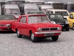 Cortina (quicksilver coaches) Tags: ford cortina oxforddiecast 176 oo diecast model