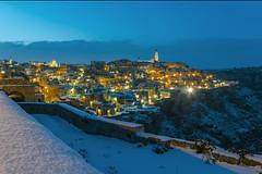 Italien 2018 Apulien 27022018 499 (Dirk Buse) Tags: matera basilicata italien ita italy italia schnee snow kälte cold abend blaue stunde licht beleuchtung citta stadt city urban travel reise stimmung mft m43 mu43