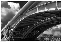 Made Of Girders 202/365 (John Penberthy ARPS) Tags: 21jul18 365the2018edition day202365 d750 nikon bridge 3652018 kingstonuponthames clouds mono sky railway monochrome blackandwhite iron johnpenberthy