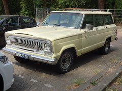 1968 Jeep Wagoneer (Skitmeister) Tags: dm2770 carspot nederland skitmeister car auto pkw voiture