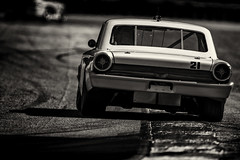 The big car on the curb (speedcenter2001) Tags: roadamerica roadcourse roadracing elkhartlake elkhart wisconisn vintageracing vintage classic historic motorsports rennsport race racing racecar racetrack hawk2018 hawk ford galaxie d500 nikon400mmf28gvr telelconverter monochrome noiretblanc schwarz weiss sep2 silverefexpro2 silverefex