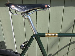 SuicideShifter,Saddle_8981 (Hoopdriver) Tags: hoopdriverbicycles custombuild pashley luggedsteel madeinengland reynolds531 suicideshifter brooksswift pathracer speed5 somafabrications lauterwasserbar sturmeyarcher veloorange izumichain nitto crane wingnut numberplate