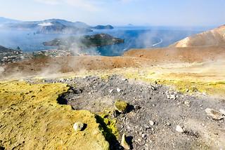 Sulphur and brimstone, Vulcano