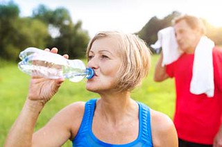 Older people should monitor their health during hot weather