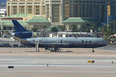 N1855U, Las Vegas McCarran, February 28th 2004 (Southsea_Matt) Tags: n1855u unitedairlines staralliance mcdonnelldouglas dc10 unitedstatesofamerica usa las klas lasvegas mccarran nevada canon 10d february 2004 winter aviation aircaft airport transport