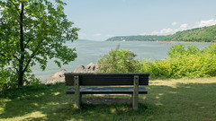 Relaxation, Plage Jacques Cartier, PQ, Canada - 5933 (rivai56) Tags: québec canada ca plagejacquescartier pq sillery relaxation bancparc sony banc au parc de la plage jacques cartier bench beach park