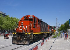 Gates down (Michael Berry Railfan) Tags: cn canadiannational wharfspur montreal oldport oldmontreal quebec train freighttrain intermodaltrain stacktrain doublestacks cofc cn4707 cn7054 gp382 gp9 emd gmd