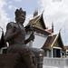 Estatua en bronce de Buda en el Templo Chedi Luang, Chiang Mai, Tailandia