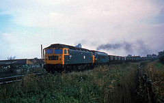47328 + 45071 are seen at Belvedere on the 10.55 Northfleet to Welbeck empty mgr train on 26-11-77. I Cuthbertson collection (I C railway photo's) Tags: class47 47328 class45 45071 belvedere mgr coaltrain