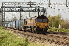 212A2912 (Phil_the_photter) Tags: class66 class68 class90 66546 66088 66594 90049 90016 66763 heamiesbridge wcml westcoastmainline railfreight gbfr lightengine
