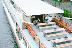 Fin de service (Kahori Pictures) Tags: fin service horeca liege belgique food sony 50mm color sweet pastel water river boat