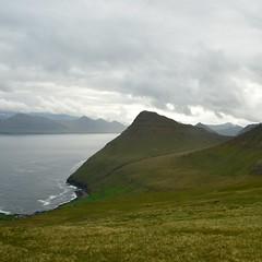 Gjógv (mikael_on_flickr) Tags: gjógv føroyar færøerne faroeislands isolefaroe trekking landscape landskab paesaggio mountains montagne cloudy nuvoloso overskyet hav sea mare meer grøn grün grön green vert verde