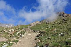 Moiry (bulbocode909) Tags: valais suisse moiry grimentz valdanniviers montagnes nature nuages sentiers rochers paysages vert bleu groupenuagesetciel