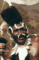 PKN-30-065b (Stichting Papua Erfgoed) Tags: papuaheritagefoundation stichtingpapuaerfgoed papua irianjaya voormalignederlandsnieuwguinea nederlandsnieuwguinea irianbarat anthonyvankampen pace
