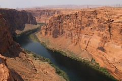 River contrasts (Sven Bonorden) Tags: glencanyondamviewpoint blau rot blue red felsen fluss river arizona page coloradoriver colorado