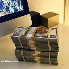 LuxuryLifestyle BillionaireLifesyle Millionaire Rich Motivation WORK 196 14 - https://ift.tt/2mxLhiw (all_thingz_luxary) Tags: billionairelifesyle classic luxurylifestyle millionaire motivation rich work