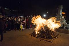 Noche de San Juan en la Plaza Varela - Montevideo (tulelé) Tags: nochedesanjuan plazavarela montevideo uruguay fuego fire fogata