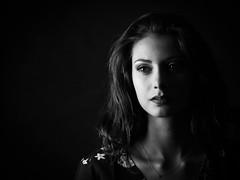 Laura (Lievinshoot) Tags: portrait maquillage brune