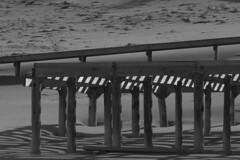 Pilares (luenreta) Tags: madera luces sombras bw monocromático 7dwf