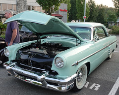 1954 Mercury 2-door hardtop (D70) Tags: sony dscrx100m5 ƒ35 108mm 180 125 1954 mercury 2door hardtop canadiantire gathering northvancouver britishcolumbia canada a fridayevening event friday evening