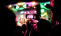 Live Stream (CoolMcFlash) Tags: fujifilm xt2 concert music popfest popfest2018 vienna karlsplatz audience stage konzert musik wien zuschauer bühne night nacht xf35mmf14 r people personen festival