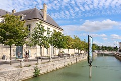 Canal du Trévois in Troyes (demeeschter) Tags: france champagne aube troyes city town building architecture church cathedral religion culture art street medieval museum archaeology heritage historical
