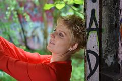 Porträt - Portrait 001 (Roger-Kersten) Tags: porträt portrait frau woman blondine nachdenklich blick