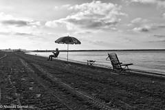Tranquilo (Nickotof) Tags: sea mer tranquilo plage playa espagne sable ciel