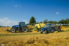 Evolution (martin_king.photo) Tags: harvest harvest2018 2018harvestseason bales balingstraw summerwork powerfull martin king photo machines strong agricultural greatday great czechrepublic welovefarming agriculturalmachinery farm workday working modernagriculture landwirtschaft martinkingphoto moisson machine machinery field huge big sky agriculture tschechische republik power dynastyphotography lukaskralphotocz day fans work place blue yellow kronebigpack kronebigpack1290xc baler balecollector newhollandt8 newhollandt8435 krone newholland michelin michelintires zetor zetortractors old